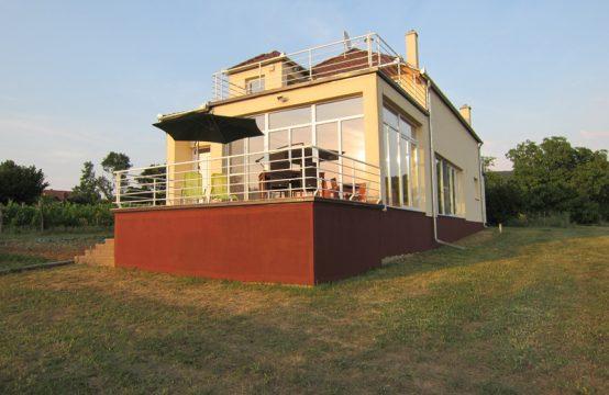 Villa Virag