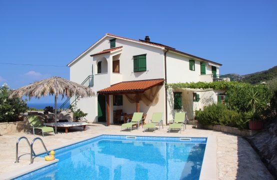 Over te nemen: Villa Flandria &#8211&#x3B; 3 appartementen en zwembad (HVAR)